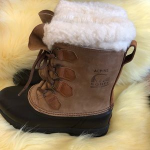 SOREL | Alpine Sherpa lined boots size 7